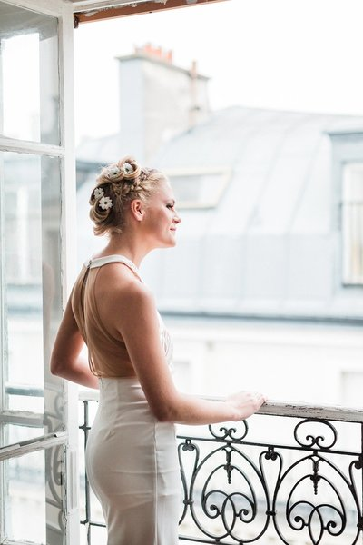 The-window-effect-france-wedding-photographer-alicia-yarrish-photography
