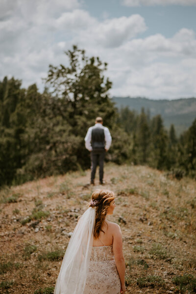 ochoco-forest-central-oregon-elopement-pnw-woods-wedding-covid-bend-photographer-inspiration2032