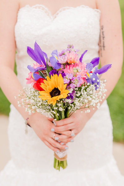 Cincinnati Wedding Photography // Off the Film Photography // Wild Flowers Wedding Bouquet