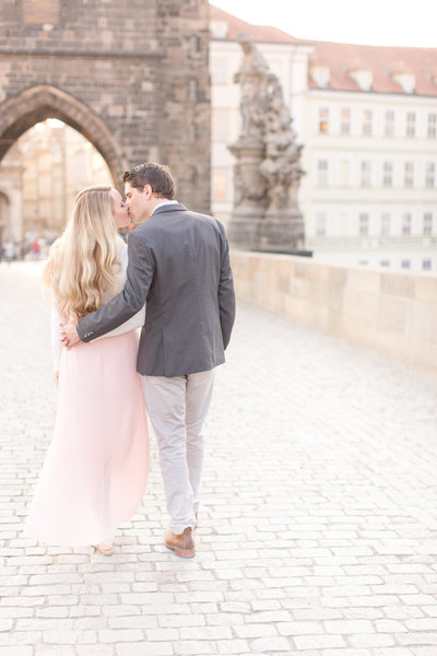 Romantic Sunrise Portrait Session in Prague | Amy & Jordan Photography