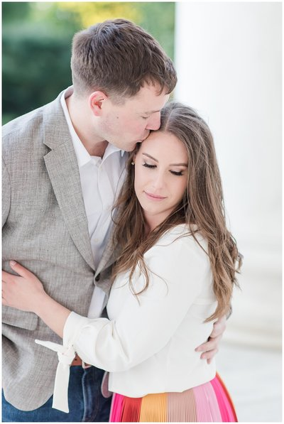 jefferson-memorial-engagement-session-photo