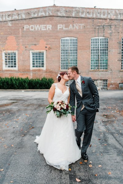 ST-LOUIS-BRIDE AND GROOM WEDDING PORTRAIT WITH WINE COLOR SCHEME