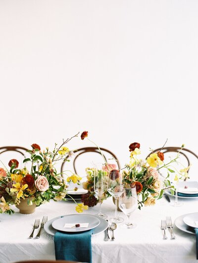 clean-white-colorful-wedding-inspiration_1396