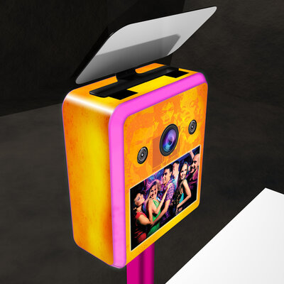 LOS GATOS PHOTO BOOTH - Vinyl Wrapping - Brandable Photobooth - MTV