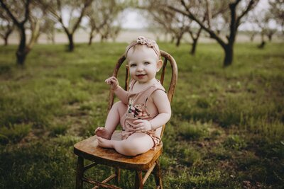 Toddler portraits in chair