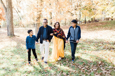 Bergen County NJ Fall family photos with two teenage boys and their parents