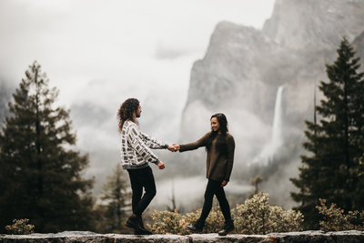 athena-and-camron-rainy-yosemite-spring-engagement-shoot-sammie-micah-intimate-natural-genuine-29-tunnel-view