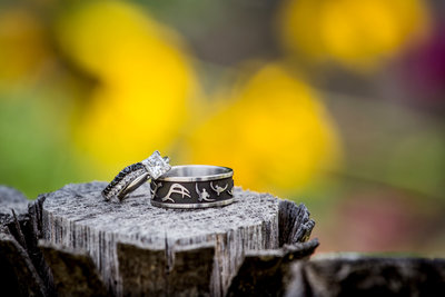 wedding rings closeup outdoor
