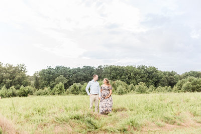 Maternity session at Garrard Landing Park