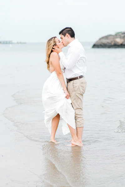 hudson valley engagement picture at rye beach