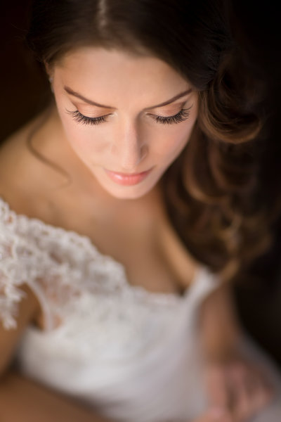 Brooklyn Wedding Photographer | Rob Allen Photography | Destination Wedding Photographer | bride-portrait-getting-ready