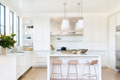 cdn.cliqueinc.com__cache__posts__276585__all-white-kitchen-276585-1548710433130-main.700x0c-a307fa68965b4fe0874e7ed51ae9fa5d