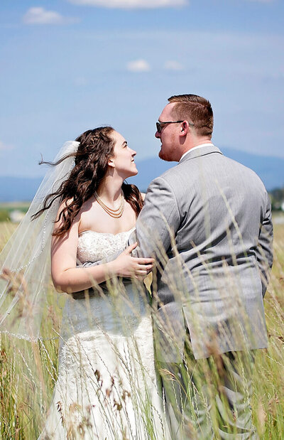 spokane wedding photographer at Deer park wedding venue, the barn on wild rose prairie
