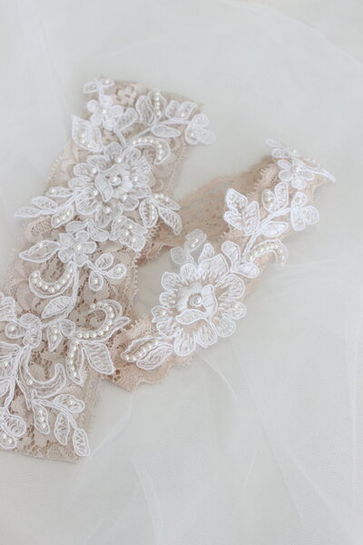 Noela's champagne lace garters with beaded lace applique 6
