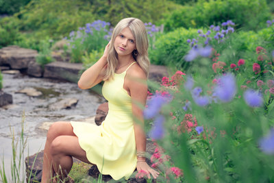 Gorgeous nature senior pictures in a lush park in Northeast Ohio