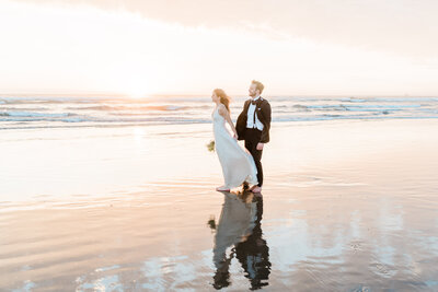 Cannon-Beach-Elopement-Photographer-74