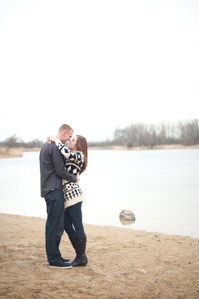 Crystal-Lake-Chicago-Engagement-Photographer02