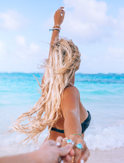 kellyyhill-long-hair-tropical-girl