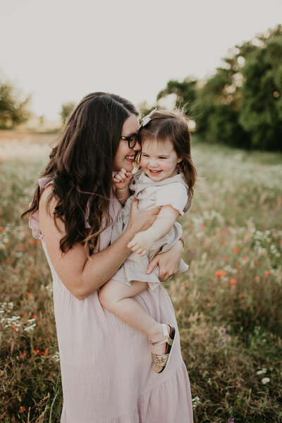 Photographer mother and toddler daughter Edmond Oklahoma