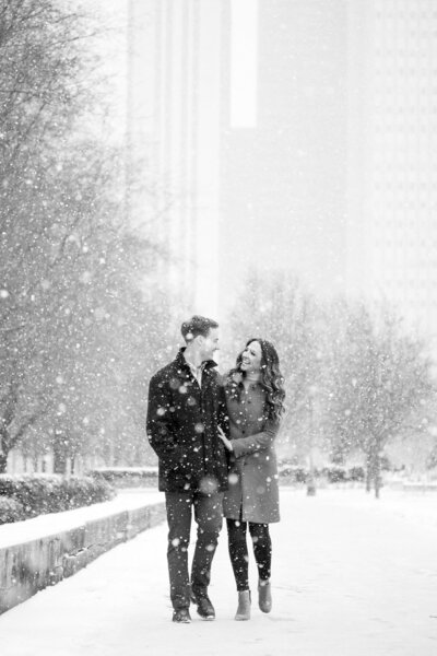 B&W Millennium Park Chicago Engagement Taylor Ingles Photography 7