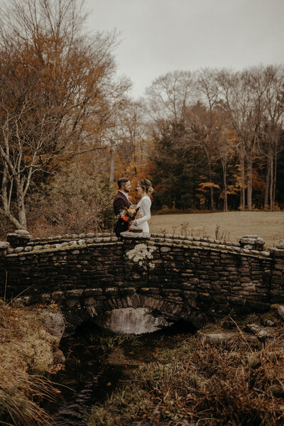 Moody-Organic-Unique-Wedding-Photographer-Adventure-25
