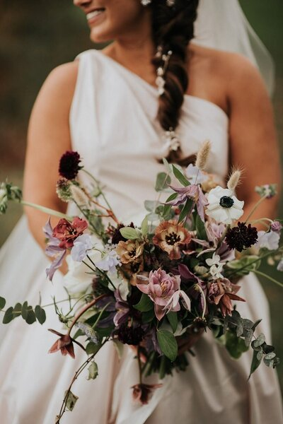 Hudson Valley Wedding Planner Modern Bouquet Nostrano Vineyards Fall Wedding Hudson Valley Wedding Planner Canvas Weddings