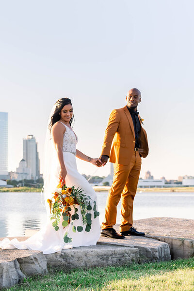 Milwaukee wedding couple