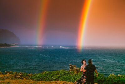 bride-and-groom-elope-rainbow-kauai-hawaii-cliffs-beach
