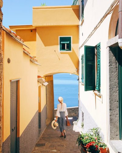 the modern jetsetter explore italy italy guide