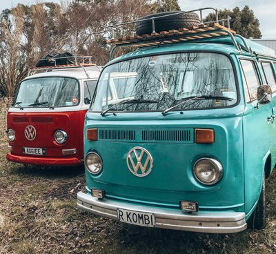 Quiz-rhonda-and-aggiee-nz-kombi-hire