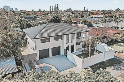 coxon.. 145 markeri st, mermaid waters.. 01