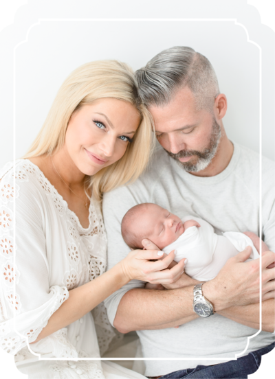 2-Tampa-newborn-photographer-brittany-elise-photography-BEP_Button_newborn-2