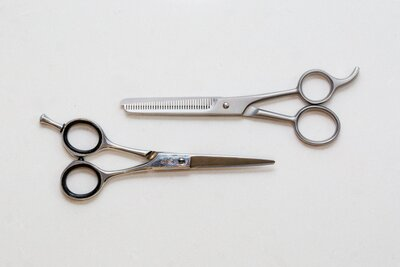 hair-scissors-on-white