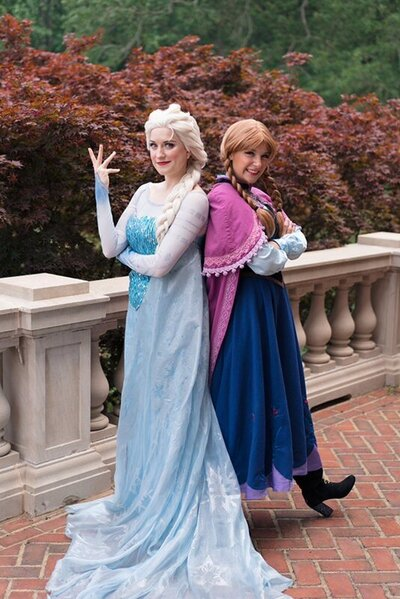 Richmond Queen Elsa and Princess Anna of Frozen in their signature poses