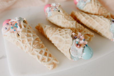 Mascarons, Cheesecake, Cake pops, cake bites, cookies, sugar cookies, high end cookies, wedding desserts, tiramisu, peppermint bark, dessert platters, dessert party trays, lemon curd, meringue, mousse, Chocolate mousse