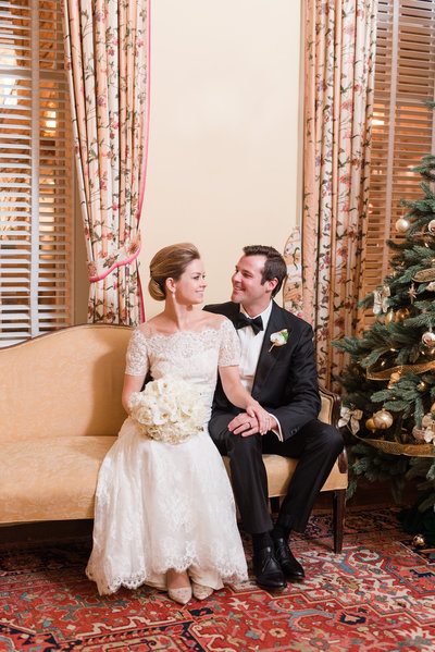 sophie-luc-georgetown-winter-wedding-city-tavern-club-wedding-photo
