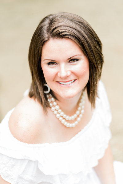 Alabama wedding photographer Justine headshot