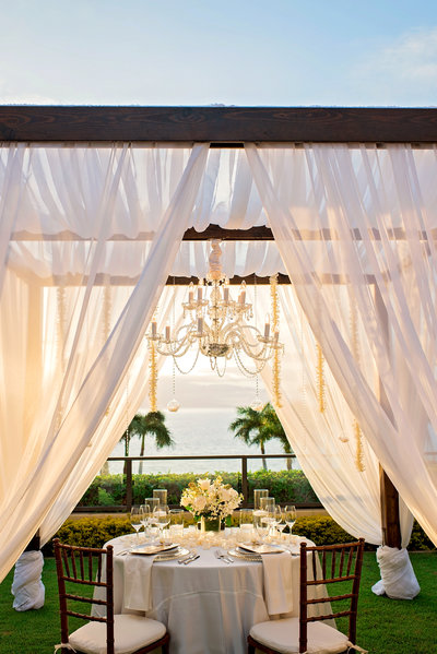 Private dinner at Four Seasons Maui at Wailea by Mariah Milan Photographers