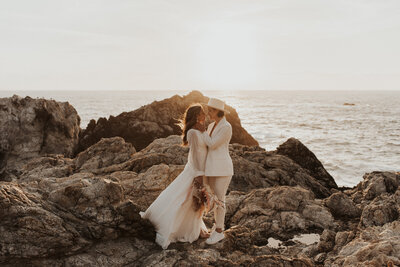 big-sur-elopement-california-by-bruna-kitchen-photography-13