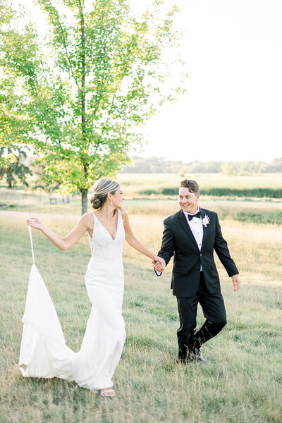 annie wells photography_wedding_engagement__minneapolis_st_paul_fine_art_light_airy_AW1
