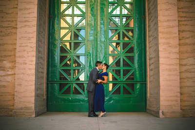 san francisco engaged couple kissing at the palace of fine arts