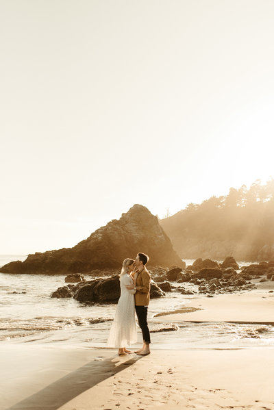 brittany+brendan-muir-beach-overlook-engagement-photos-96