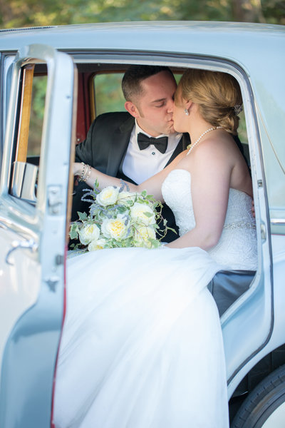 Bride and groom outdoor wedding portraits in Lexington, KY by Kevin and Anna Photography