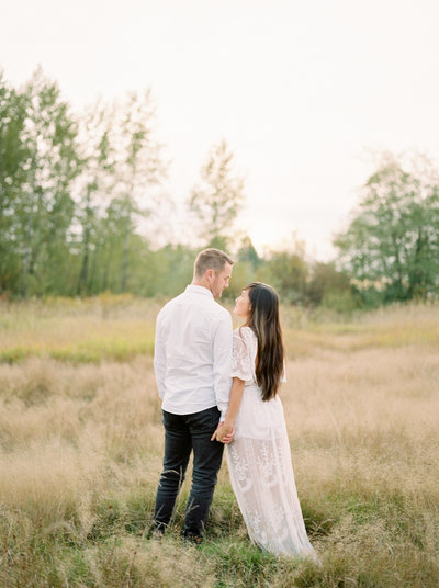 Meadow Engagement Session Campbell Valley Park Langley Teryn Lee Photography
