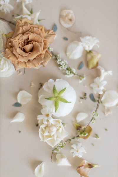 sourced-co-when-life-gives-you-flowers-free-stock-photos-2
