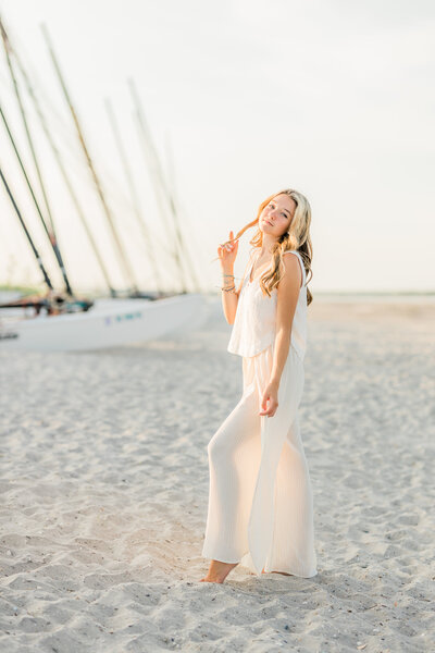 nicole-marie-photography-senior-photoshoot-beach