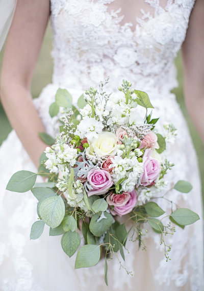 Soft neutral wedding bouquet