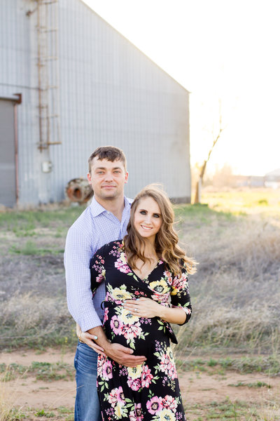 parents-to-be portraits in lubbock texas