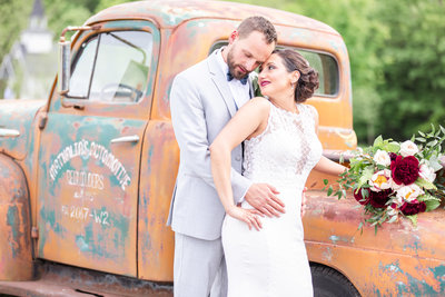 amelia-keegan-wedding-lovewell-weddings-hayloft-on-the-arch-65