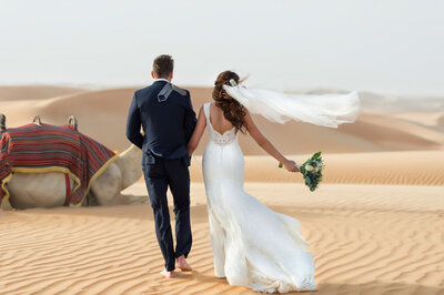Elopement-Lovely & Planned-7 Wedding couple celebrating their wedding in Dubai for a photoshoot organized by Lovely & Planned